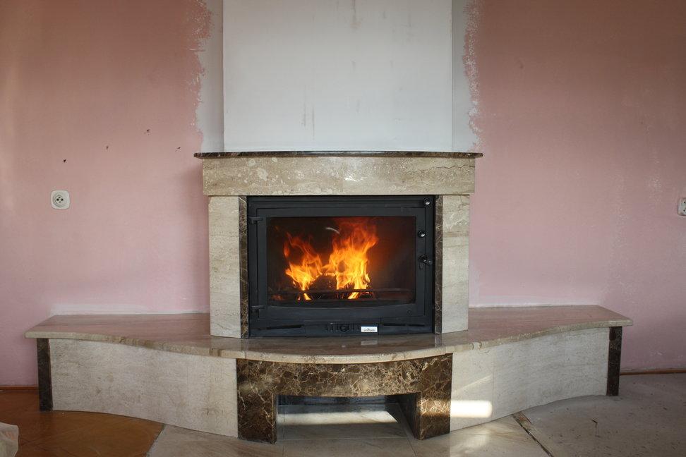 kominek tradycyjny z marmuru Pszczyna